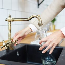 Low Cost Ways For Home Owners To Treat Contaminated Tap Water